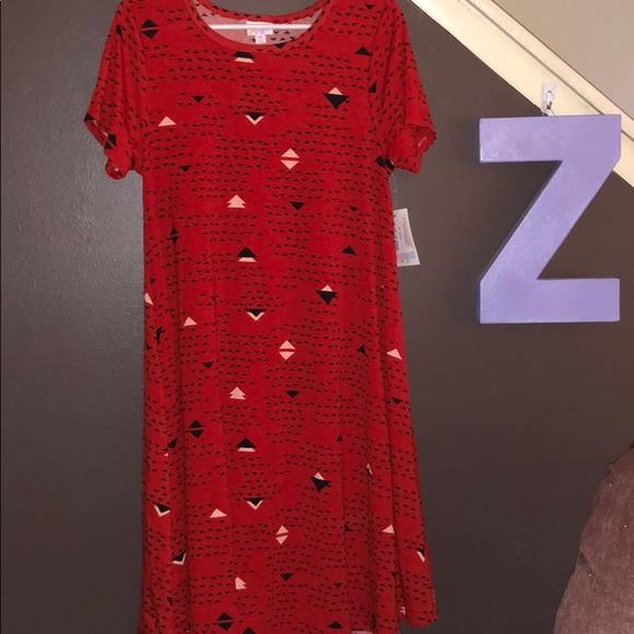 LuLaRoe Dresses & Skirts - Lularoe Medium Pocketless Carly dress